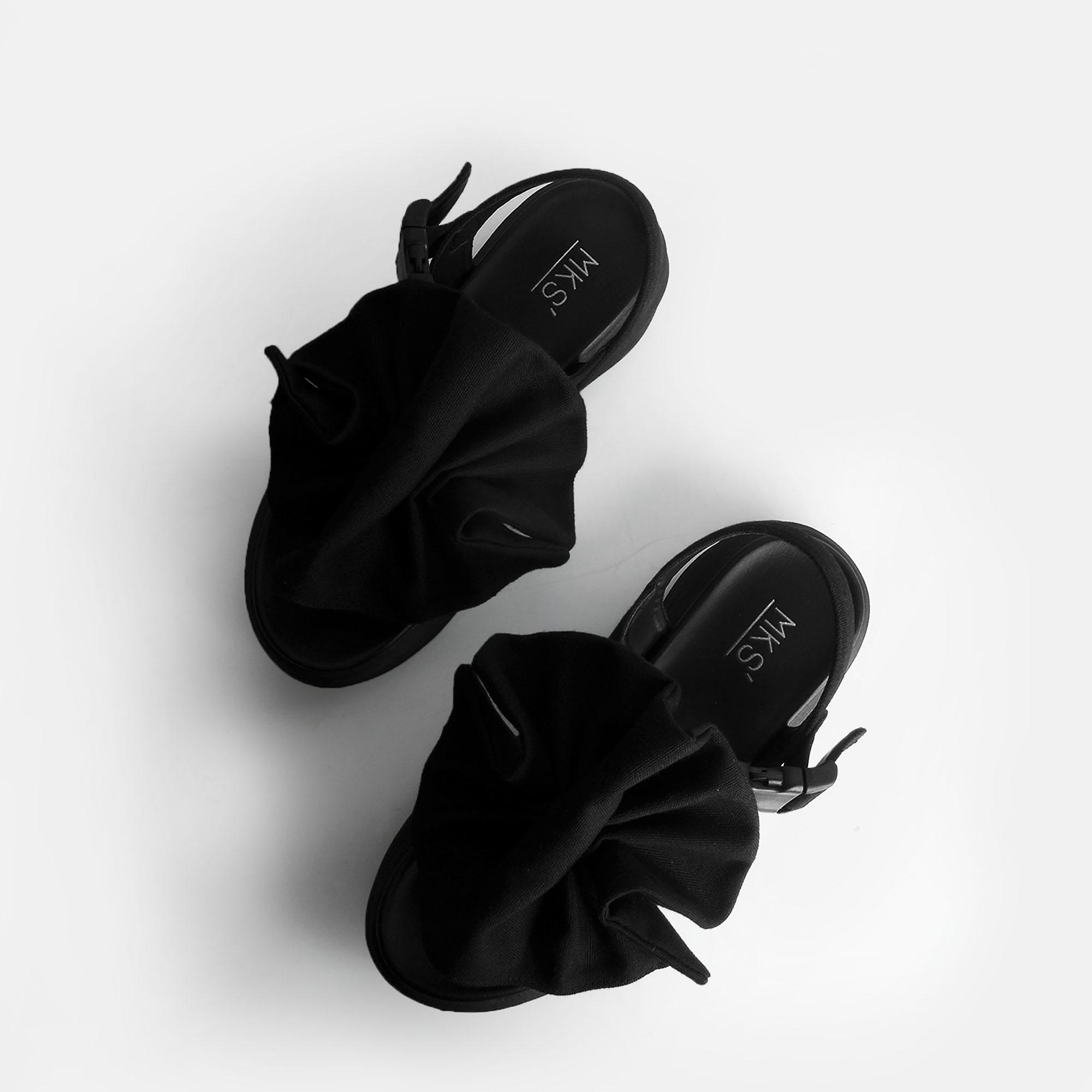 Dobo-Black-1.jpg