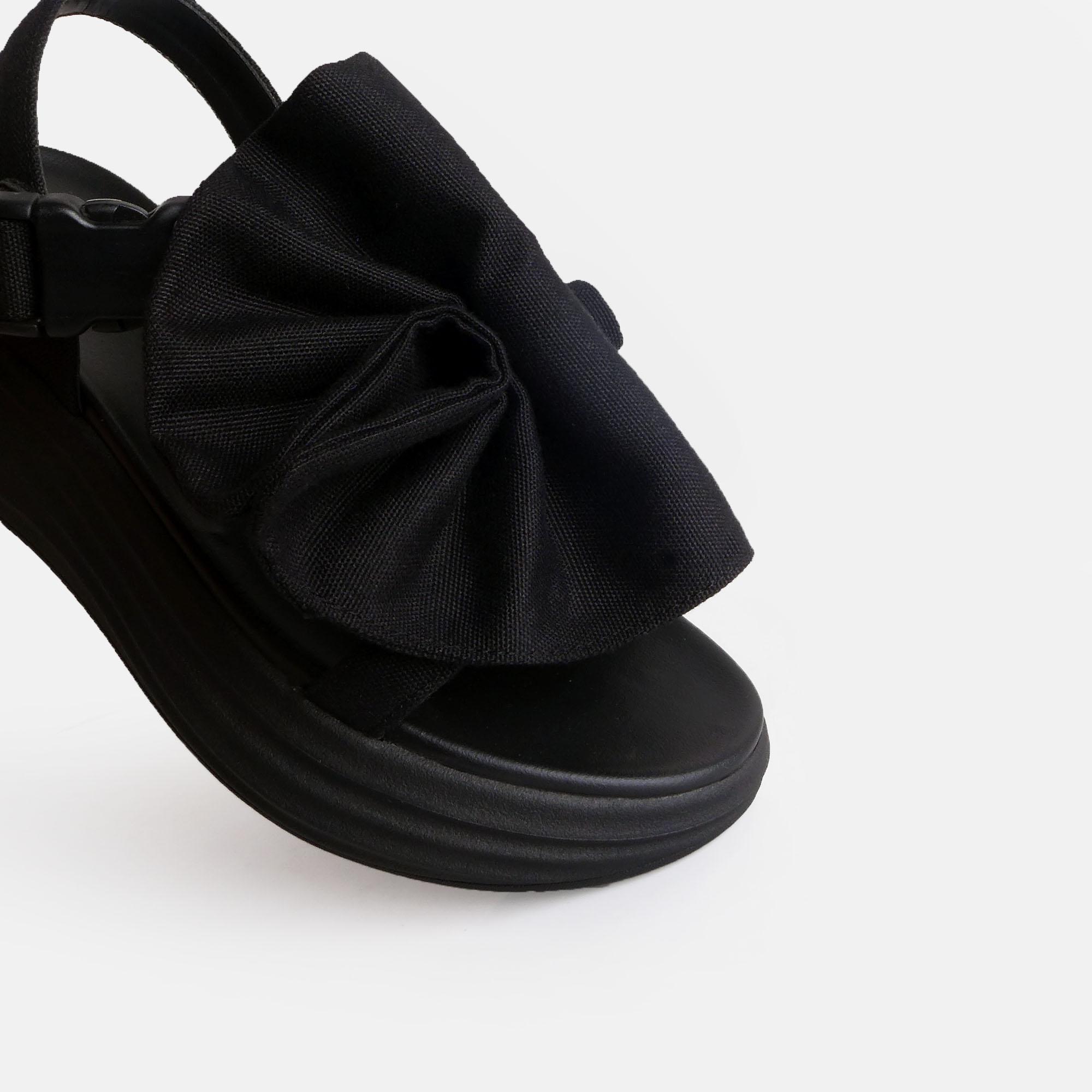 Dobo-Black-3.jpg